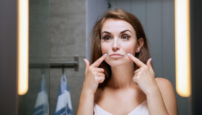 Лучшие уколы от морщин над верхней губой